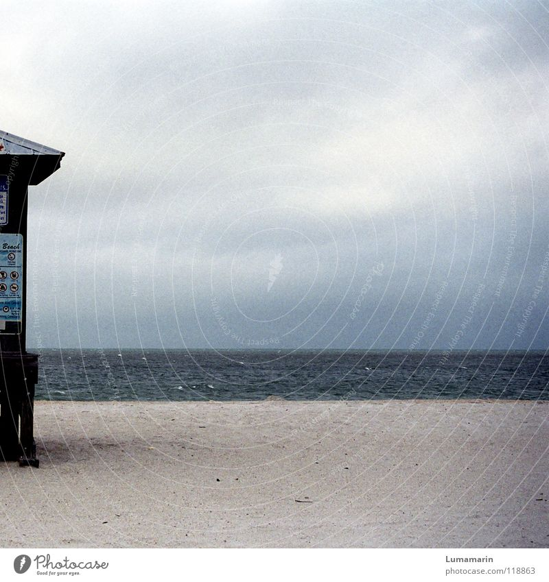 Skisaison Himmel Wasser Meer Ferien & Urlaub & Reisen Strand Winter Wolken ruhig Einsamkeit Erholung kalt Sand Küste Tourismus leer trist