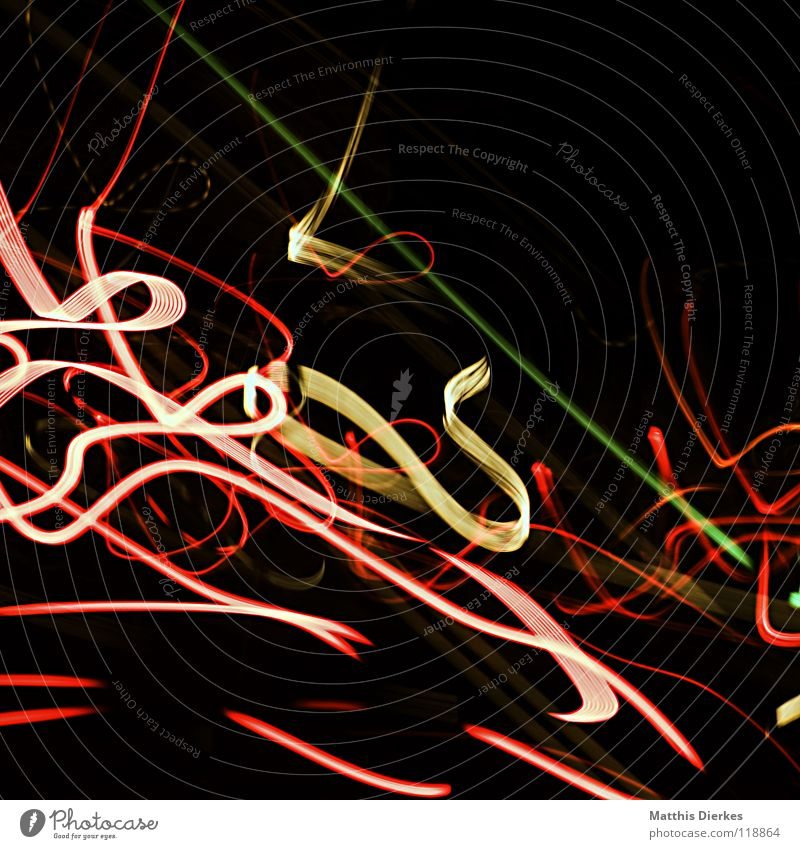 Pinselstriche Licht Lichtspiel Lichterkette Stativ Langzeitbelichtung Strahlung Kurve Bilanz Statistik Verlauf Spuren tief Geschwindigkeit kreisen Konjunktur