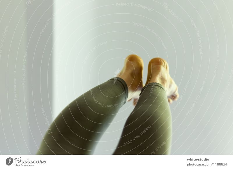Upside Down feminin Stress Handstand Yoga Akrobatik verdreht entgegengesetzt Turnen Leggings Schwerkraft stark gelenkig Kraft Fitness Sport Füße hoch streben