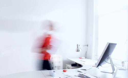 Work Life Balance Mensch weiß Erwachsene feminin Kunst hell Business Arbeit & Erwerbstätigkeit orange Büro Körper Technik & Technologie Computer Zukunft