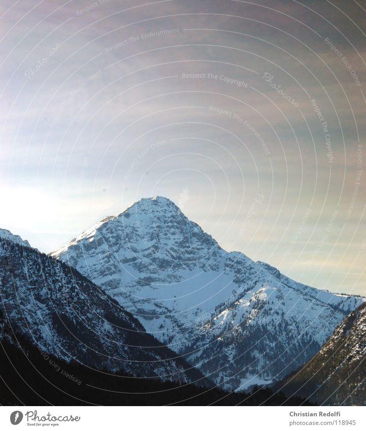 Berg See Schneelandschaft Winter rot Schlittschuhlaufen Gebirgssee Berge u. Gebirge Eis Alpen Landschaft Himmel Felsen