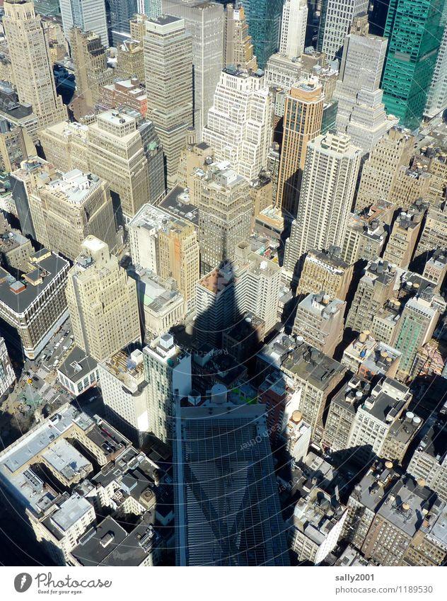 empirischer Schatten... New York City USA Amerika Stadt Stadtzentrum Skyline überbevölkert Haus Hochhaus Architektur Sehenswürdigkeit Wahrzeichen