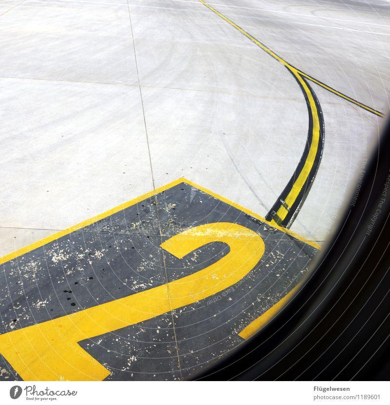 zweite Insolvenz des Jahres Flughafen Flugzeug Fahrbahn Landen Flugzeuglandung Pilot Landebahn