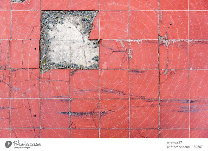 Puzzle Terrasse Fliesen u. Kacheln Bodenbelag Bodenplatten Stein Linie Streifen alt dreckig hässlich historisch kaputt retro rot fehlerhaft antik Quadrat