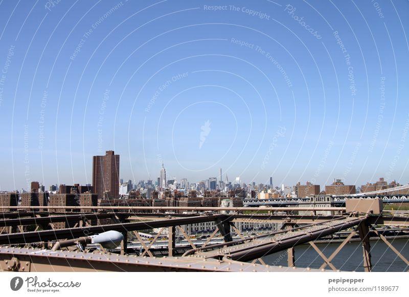 NYC Ferien & Urlaub & Reisen Stadt Haus Wand Straße Architektur Gebäude Mauer Fassade Wohnung Tourismus Häusliches Leben Büro Verkehr Hochhaus Brücke