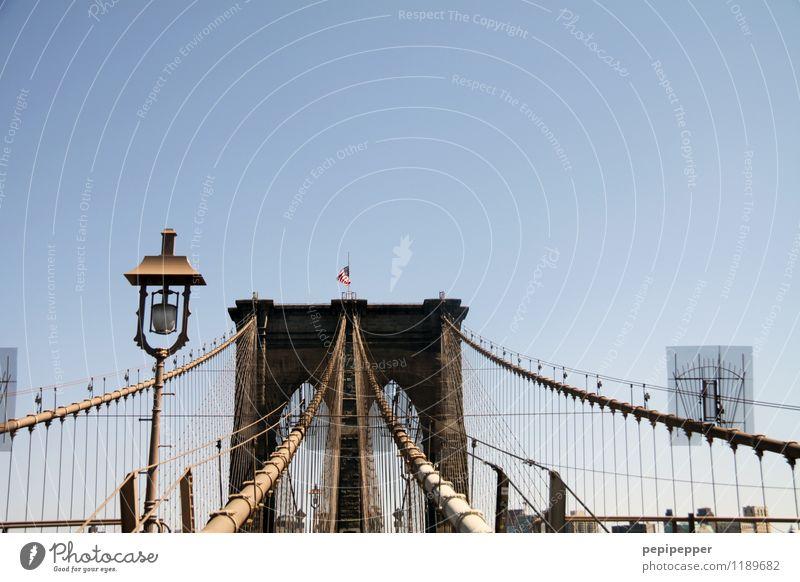 Brooklyn Bridge Ferien & Urlaub & Reisen Stadt blau Wand Mauer Stein braun Fassade Tourismus Verkehr Ausflug Brücke Zusammenhalt Verkehrswege hängen Stahl