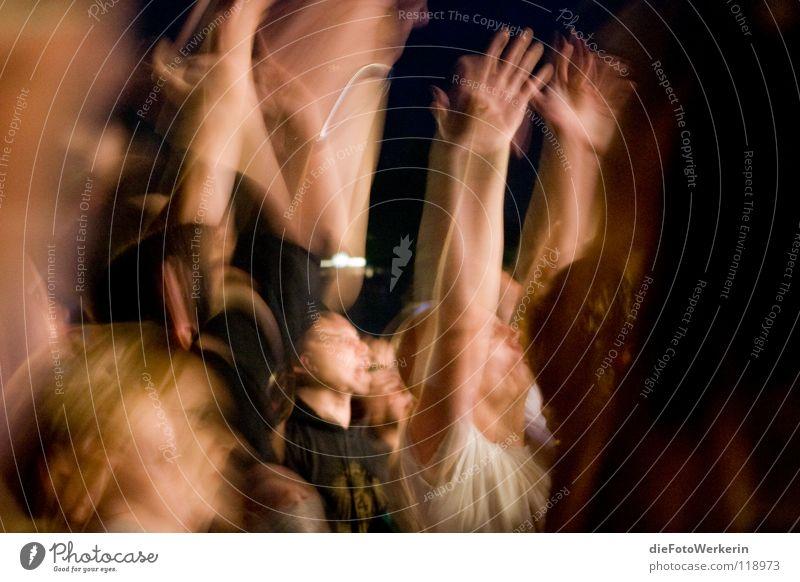 Hände hoch Mensch Hand Sommer Freude dunkel Bewegung Musik Konzert Dynamik Bonn