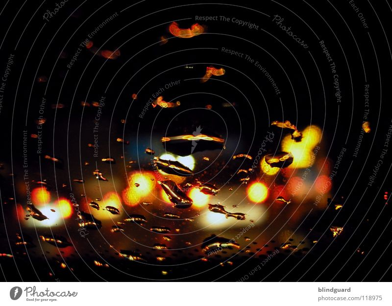 Rainy Night On The Highway Wasser weiß rot Ferien & Urlaub & Reisen gelb Straße Lampe dunkel Bewegung grau PKW Regen Linie hell Wassertropfen Verkehr