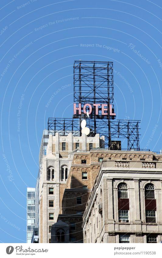 HOTEL Stadt blau Haus Wand Gebäude Mauer grau Linie Fassade Arbeit & Erwerbstätigkeit Wohnung Häusliches Leben Tourismus Schilder & Markierungen Hochhaus