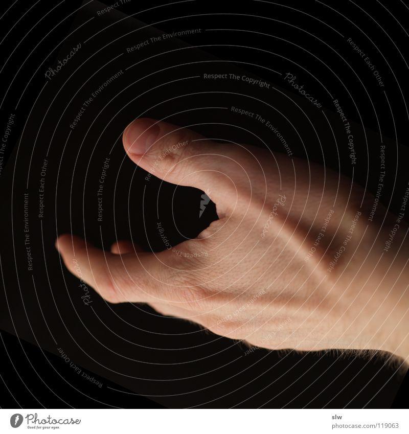 nimm Mensch Hand schwarz Haut Arme Finger Hilfsbereitschaft Aktion Griff reich geben nehmen
