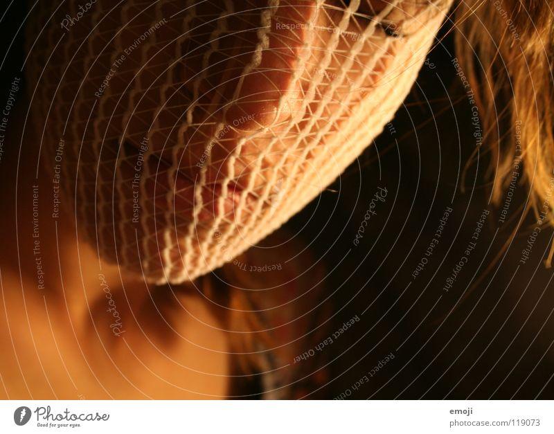 Engel Frau rot ruhig Gesicht feminin Spielen Haare & Frisuren Wärme Denken Traurigkeit Linie orange Mund Haut Beleuchtung Nase