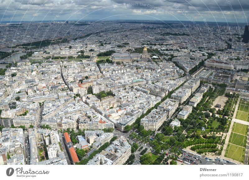 Paris Tourismus Ausflug Sightseeing Städtereise Himmel Horizont Stadt Hauptstadt Skyline Haus Gebäude Architektur Dach Sehenswürdigkeit fliegen glänzend
