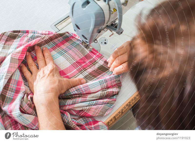 Mensch Frau weiß Erwachsene Mode Arbeit & Erwerbstätigkeit Business Design Kreativität Bekleidung Industrie Stoff Beruf Fabrik Material Handwerk