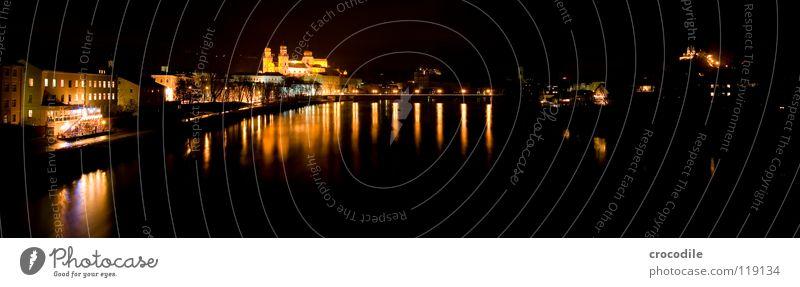 Passau @ night Wasser Stadt dunkel Wege & Pfade hell Religion & Glaube Küste Brücke Fluss Bayern Dom fließen Panorama (Bildformat) Promenade Kloster