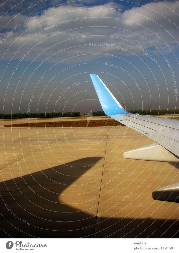 Aber nie schneller als der Schatten... Himmel Ferien & Urlaub & Reisen Wolken Fenster Flugzeug Wind Wetter Beton Beginn Ausflug Industrie Sicherheit Luftverkehr Platz Aussicht Tragfläche