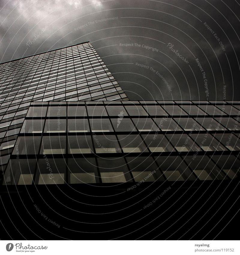 blockhütte Himmel weiß Stadt Wolken Haus schwarz dunkel Regen 2 Zusammensein Nebel modern Hochhaus Turm Gewitter Plattenbau