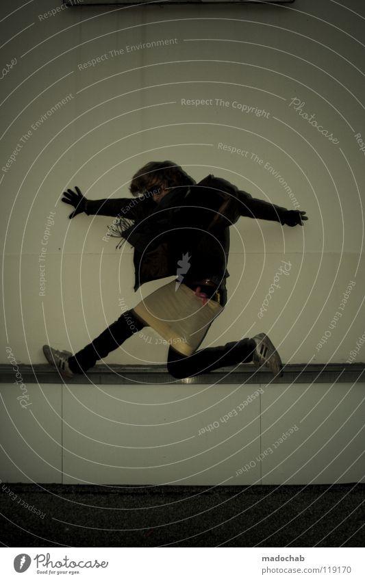 HUPFDOLE ON SPEED Lifestyle Mann Mensch maskulin hüpfen springen Mauer Wand Freestyle retro Neonlicht Bewegung lustig Le Parkour Unbeschwertheit Tatendrang