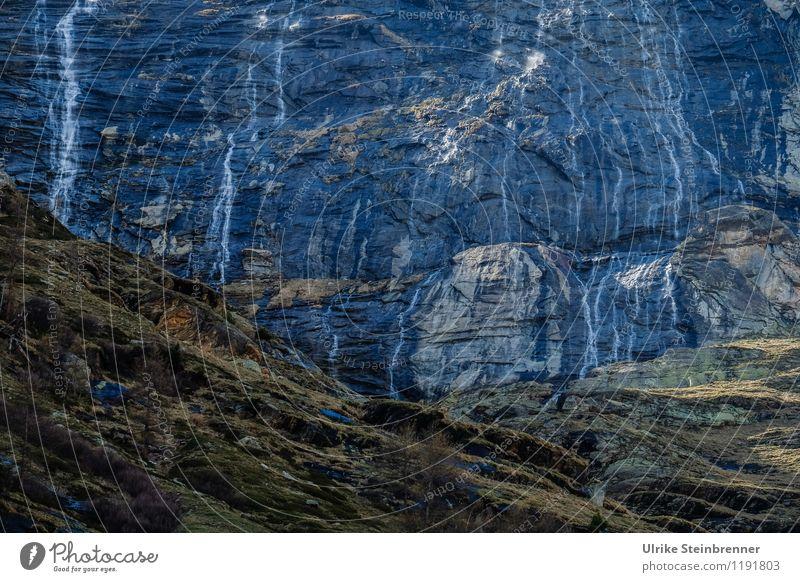 Wasserwand Ferien & Urlaub & Reisen Ausflug Berge u. Gebirge Umwelt Natur Landschaft Frühling Pflanze Gras Moos Felsen Alpen Wasserfall fallen dunkel nass