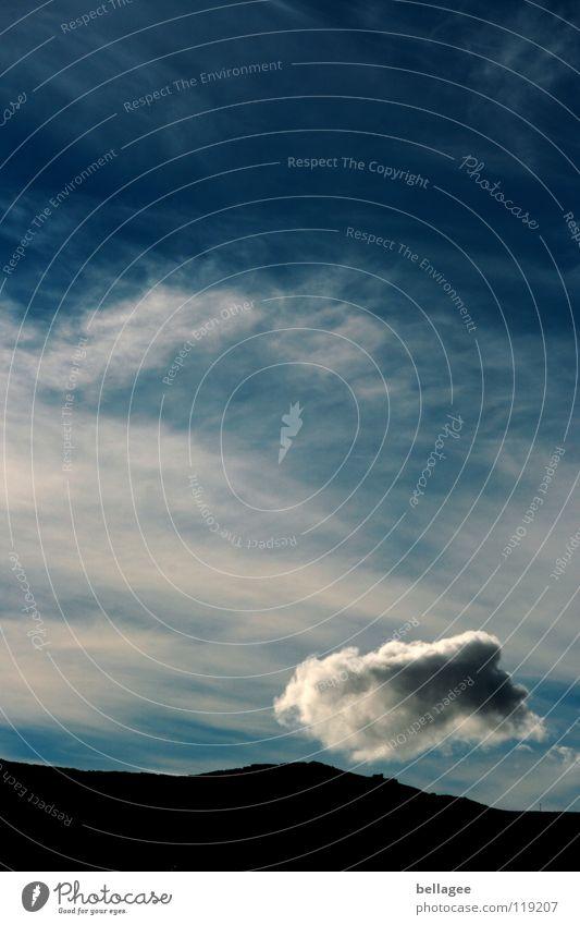 Reise einer Wolke Himmel weiß blau Wolken Berge u. Gebirge Wind fliegen Horizont Schweben luftig