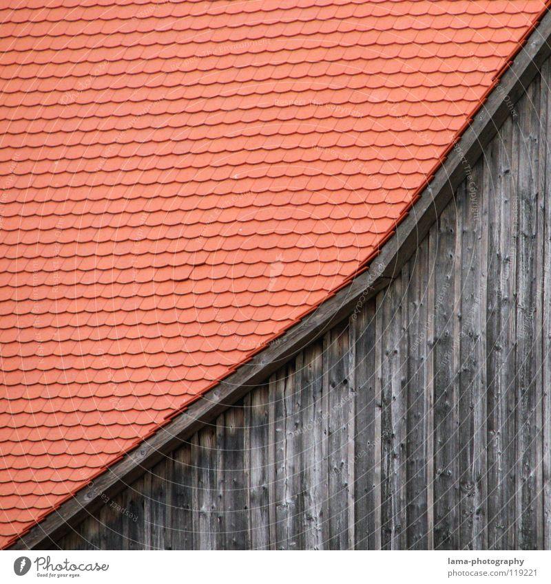 Streng monoton steigend Scheune Bauernhof Landwirtschaft Ranch Dach Wand Backstein Dachziegel Holz Holzhaus Gebäude Holzleiste Satteldach Dachfirst Dachgiebel