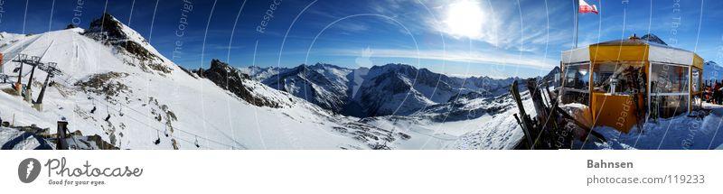 Weißes Gold Sonne Winter Ferne Landschaft Berge u. Gebirge Skifahren Skier Hütte Panorama (Bildformat) Snowboard Österreich Wintersport Schneebedeckte Gipfel Blauer Himmel Bundesland Tirol Winterurlaub