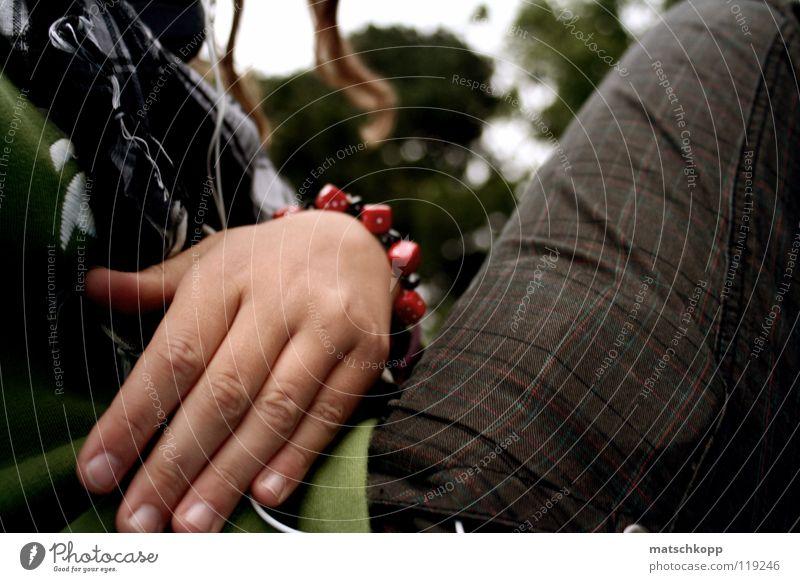 Fingerspitzengefühl die Zweite Hand Baum rot schwarz kalt feminin Herbst Haare & Frisuren Musik Park braun Hintergrundbild rosa Freizeit & Hobby Geschenk