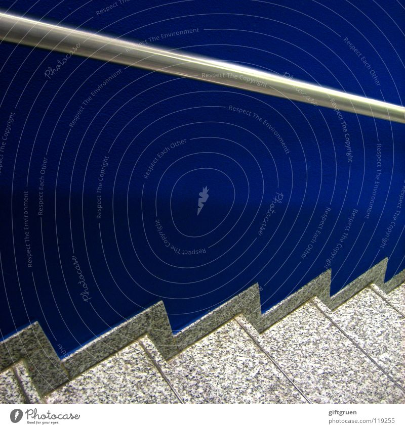 one stair, two stairs, downstairs, blue stairs abwärts aufwärts Wand steigen Treppenhaus Detailaufnahme Flur modern Geländer blau Stein Metall