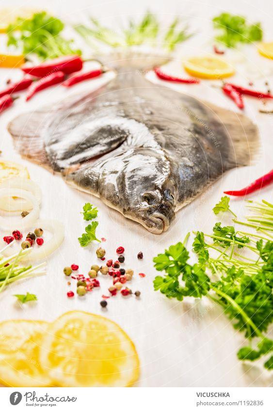 Scholle Fisch mit frischen Zutaten zubereiten Lebensmittel Gemüse Salat Salatbeilage Kräuter & Gewürze Öl Mittagessen Abendessen Büffet Brunch Festessen