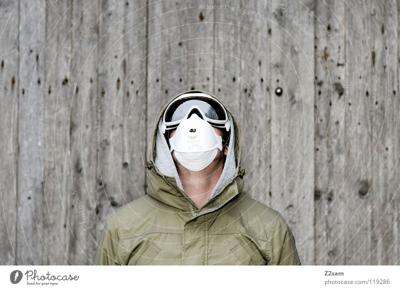 4U II Mensch Mann weiß Wand Holz grau Kopf Haare & Frisuren Stil blond Angst maskulin gefährlich stehen Sicherheit Coolness