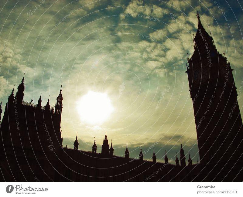 Tea Time Himmel Sonne Wolken Insel Turm Wahrzeichen London England Hauptstadt König Glocke Großbritannien Glockenturm Big Ben