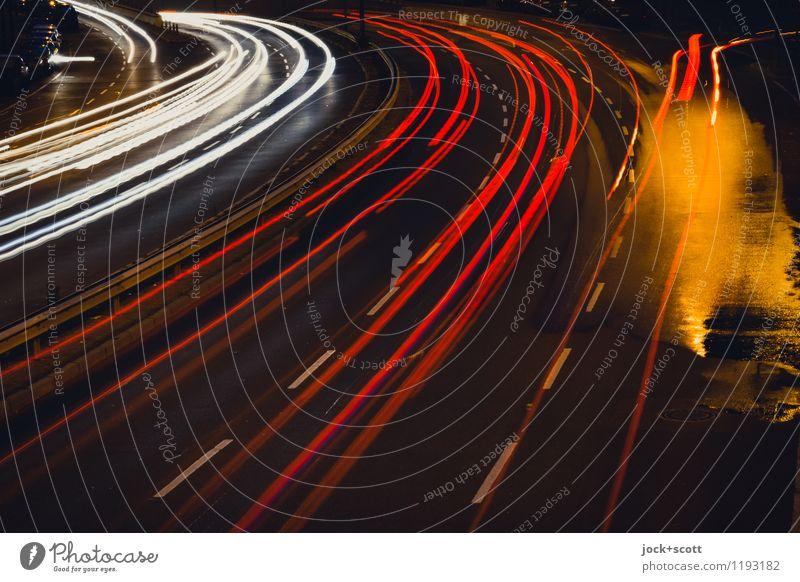 Kurven kratzen Berlin Verkehrswege Autofahren Straße leuchten dunkel nass viele rot Strukturen & Formen Nacht Silhouette Lichterscheinung Langzeitbelichtung