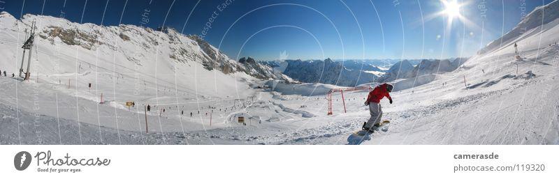 Panorama Zugspitzblatt im Winter Sonne Winter Berge u. Gebirge Schnee Deutschland Schönes Wetter Alpen Schneebedeckte Gipfel Panorama (Bildformat) Skigebiet Schneelandschaft Skipiste Snowboarding Bayern Snowboarder Zugspitze
