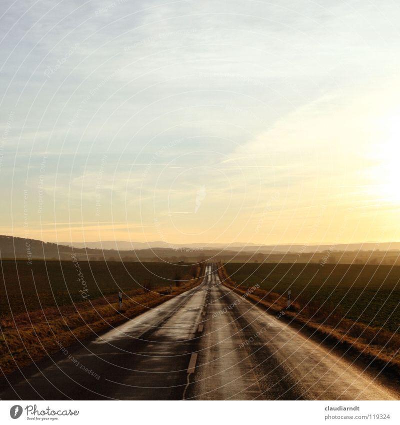 Fernweh Ferien & Urlaub & Reisen Ferne Straße Freiheit Wege & Pfade Landschaft frei Horizont Beginn Zukunft fahren Aussicht Asphalt Autobahn Richtung Verkehrswege