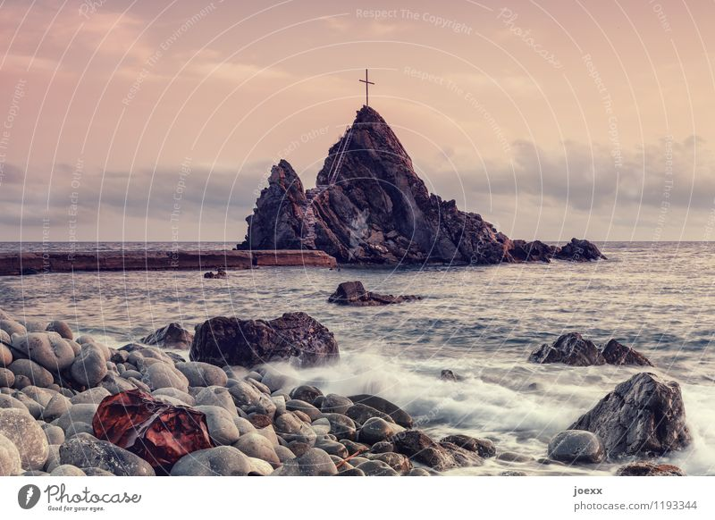 Zuflucht Himmel Natur Sommer Meer Landschaft Wolken Umwelt Küste Felsen Horizont wild Idylle Wellen groß Schönes Wetter Hoffnung