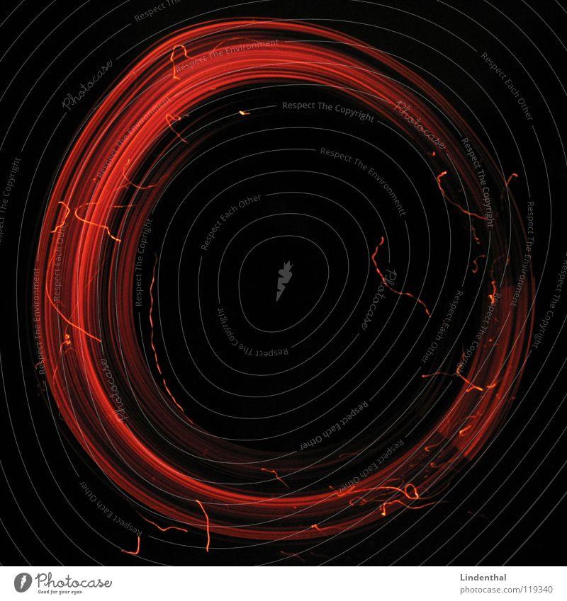 Ring of Fire II Brand Physik heiß rot dunkel Nacht Feuer Flamme Wärme Feuerstelle orange feuerkreis Kreis feuerring red
