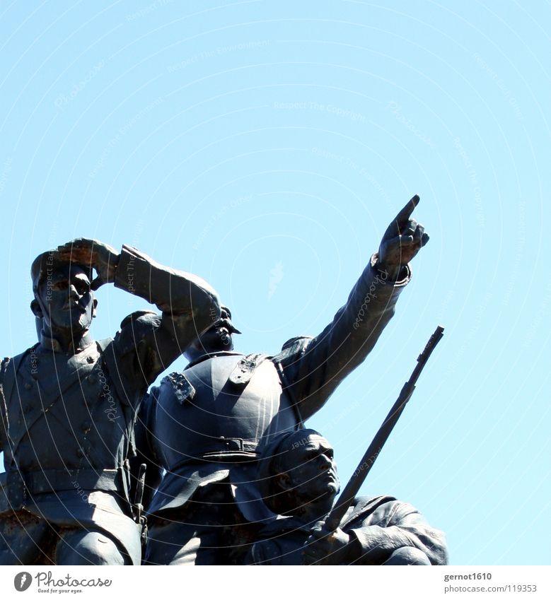 See U - II Soldat Statue Kunst Kunstwerk Richtung Gewehr Offiziere Bretagne verlieren Beginn Kunsthandwerk historisch Wahrzeichen Denkmal Bronce zeigen