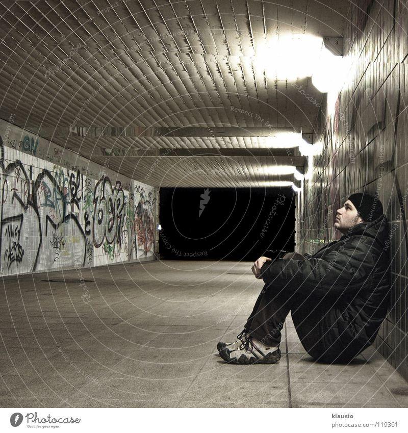 Wartend Tunnel Langeweile Nacht Mauer überdrüssig Unterführung warten Absitzen Gang