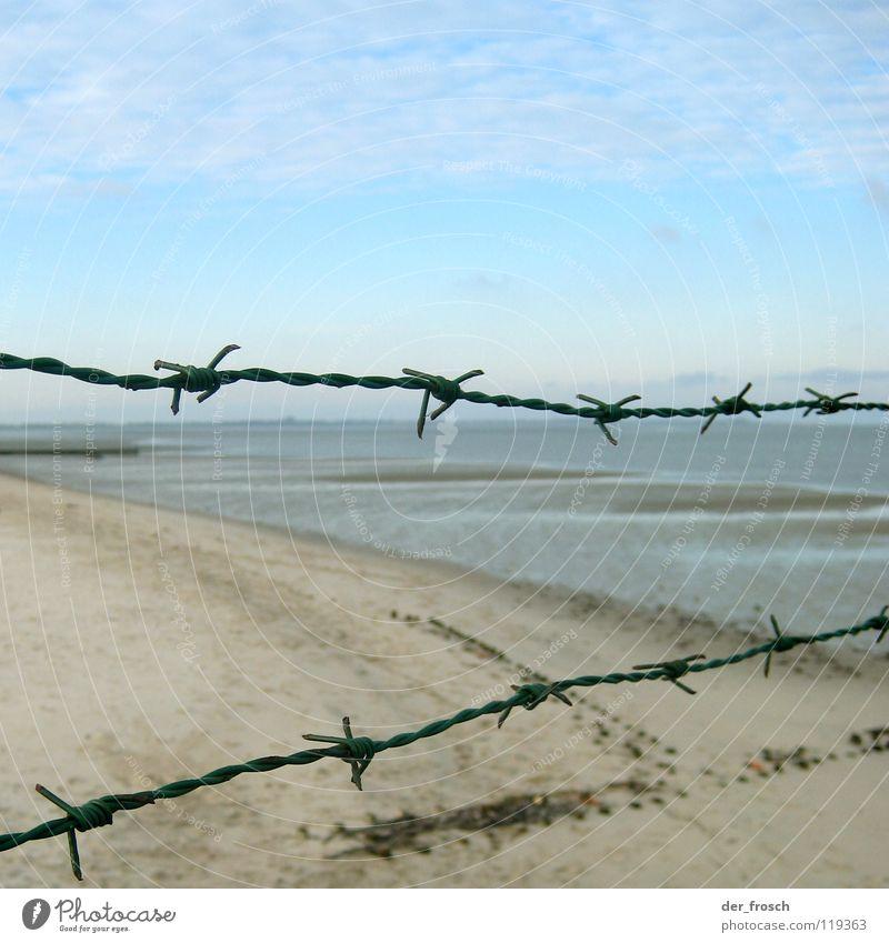 abgesperrt Himmel Meer blau Strand Wolken Herbst Küste Wind Klarheit Zaun Barriere Nordsee Draht November Stacheldraht