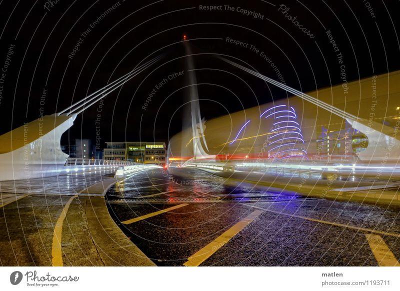nicht rider Hauptstadt Stadtzentrum Menschenleer Haus Brücke Sehenswürdigkeit Verkehrswege Öffentlicher Personennahverkehr Straßenverkehr Autofahren