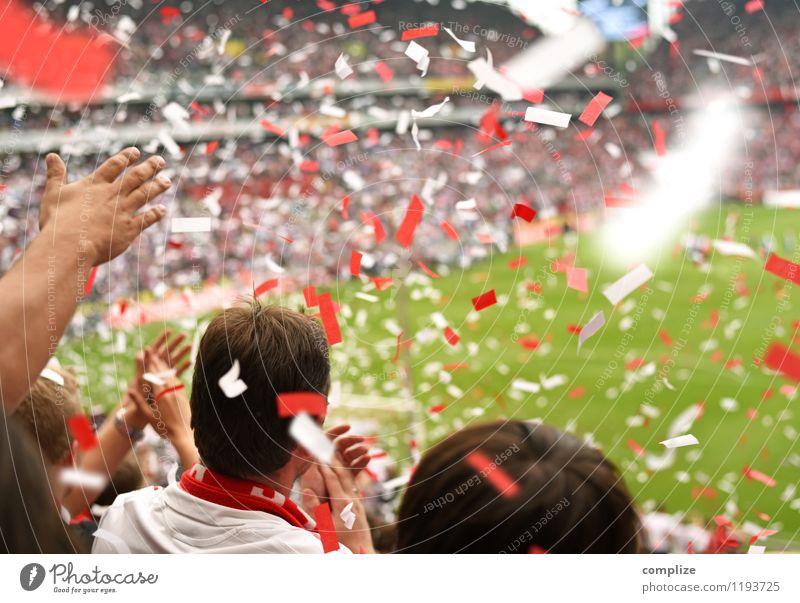 Stimmung! Mensch Jugendliche weiß rot Junger Mann Freude Gefühle Feste & Feiern Erfolg fantastisch Fußball Publikum Sportveranstaltung Konfetti Fan