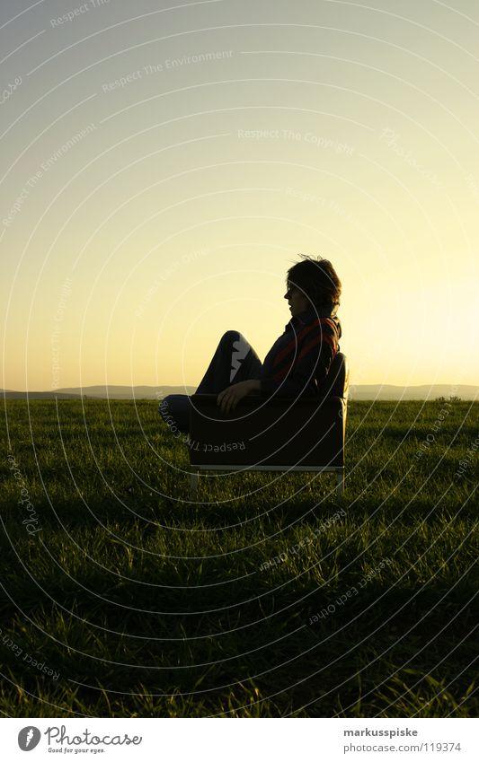 sit down and relax Himmel Sonne Ferne Erholung Wiese dunkel Stil Arbeit & Erwerbstätigkeit Zeit Freizeit & Hobby frei Perspektive Pause retro Aussicht Leder