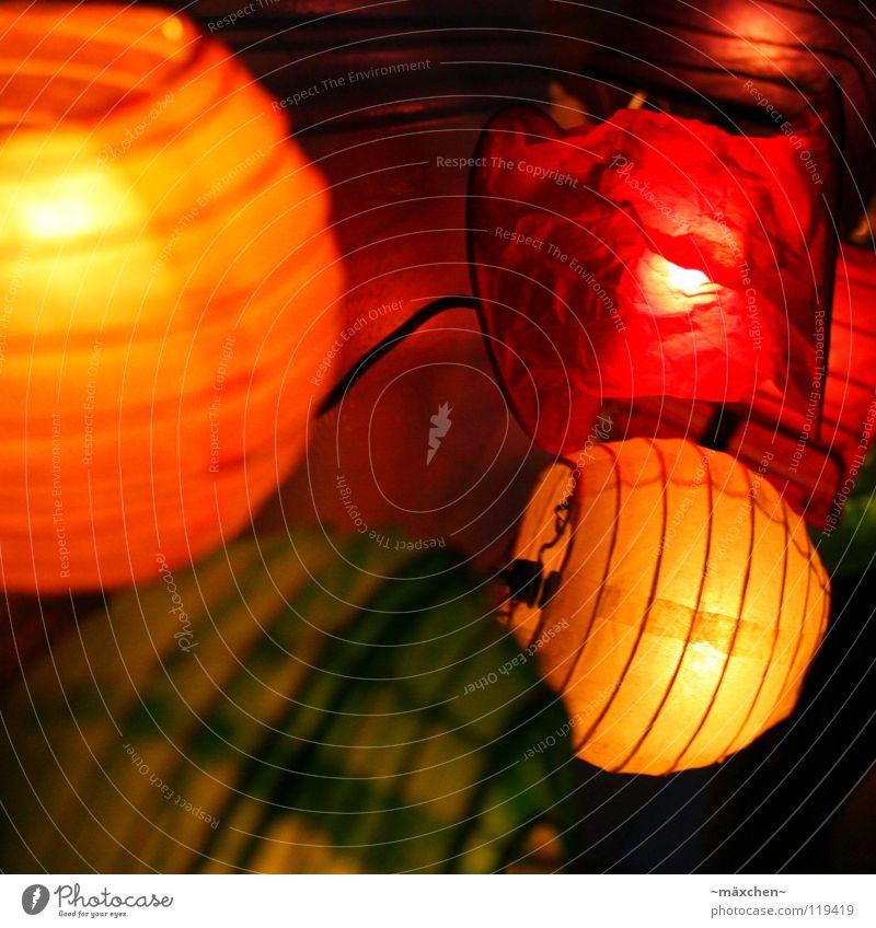 colourful Wohnung Dekoration & Verzierung Schlafzimmer Technik & Technologie Wärme hell grün orange rot Stimmung Sicherheit Geborgenheit Romantik Farbe Laterne