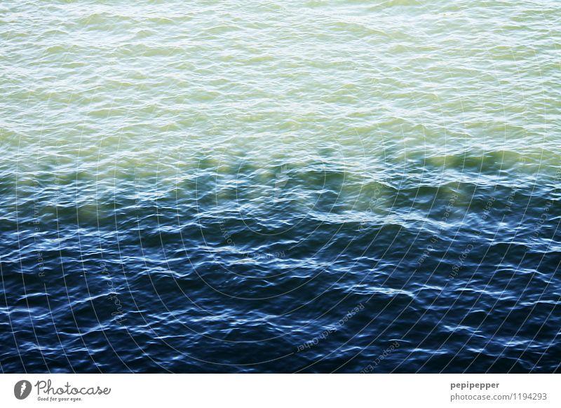 eine seefahrt die ist ... Ferien & Urlaub & Reisen blau Sommer Wasser Meer Menschengruppe Freizeit & Hobby Tourismus Wellen stehen Ausflug Schönes Wetter türkis