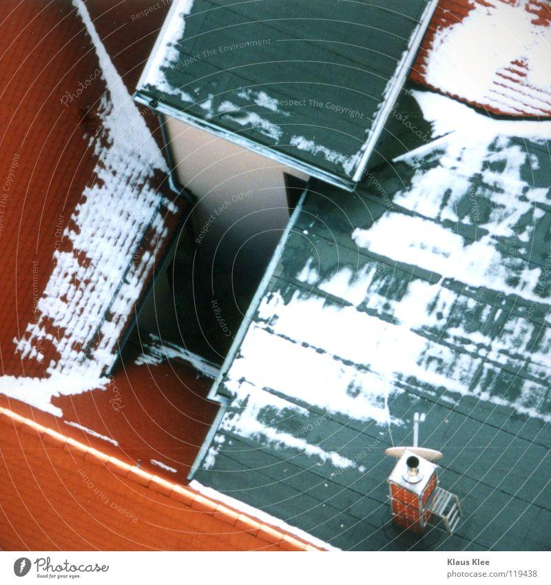 MY TRIP OVER 50 METERS ::: Haus rot Dach Götter Bla Winter Loch Schnee Gott Mensch d Blubbern