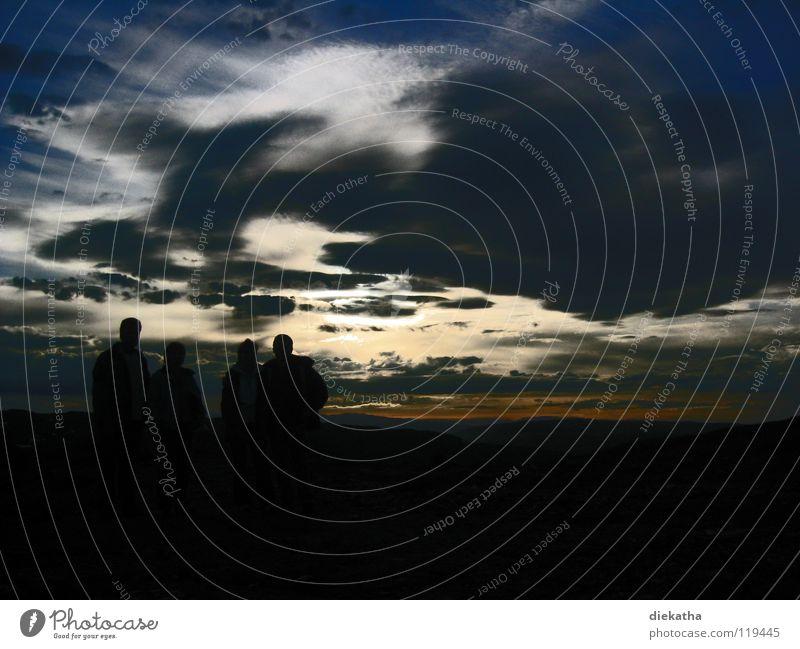 Mitternachtssonne Mensch Himmel Sonne ruhig Wolken Einsamkeit Ferne dunkel Norwegen Nordkap