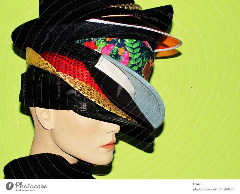 … und oben drauf Lifestyle Stil Hutständer Mensch feminin Frau Erwachsene Gesicht 18-30 Jahre Jugendliche Kunstwerk Mode Schal Mütze Glatze Puppe träumen