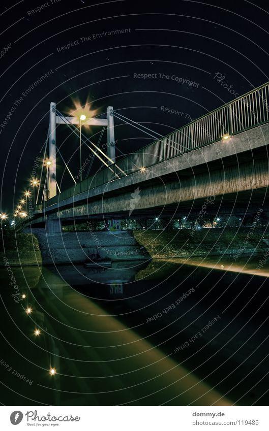 n1 Würzburg Main Säule Hängebrücke Stahl Beton Nacht dunkel HDR Licht Reflexion & Spiegelung fließen Stadt Langzeitbelichtung Brücke Fluss Küste Seil dri