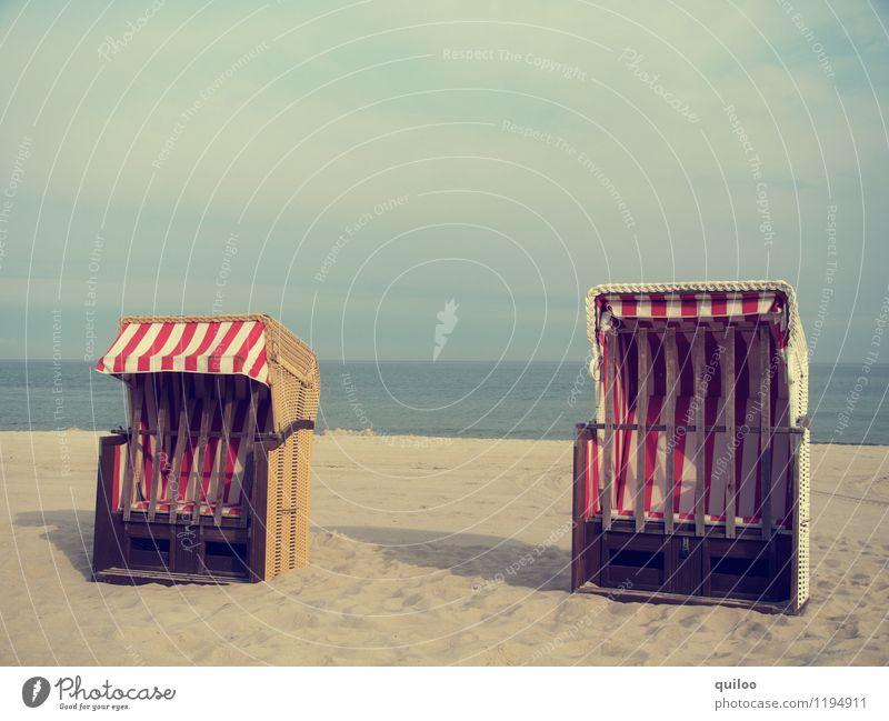 Doppelsitzer Ferien & Urlaub & Reisen Tourismus Sommer Sommerurlaub Sonne Strand Meer Landschaft Küste stehen eckig Zusammensein maritim blau braun gelb gold