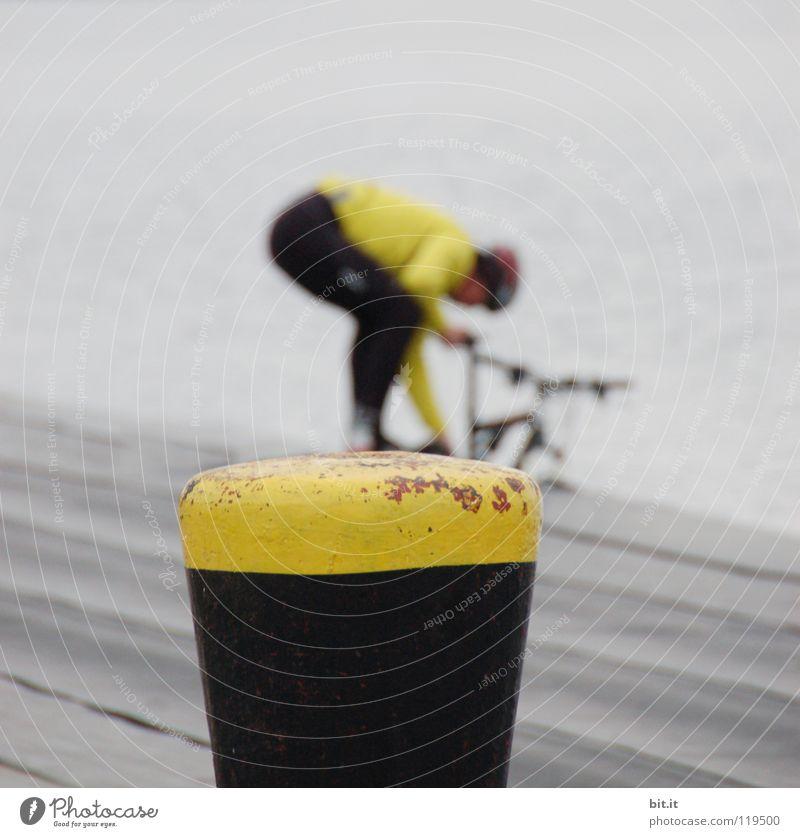 FARBABGLEICH gelb Fahrrad Reinigen Erfrischung schwarz Holz Holzfußboden Schiffsplanken Mountainbike Steg Wäsche Radrennen Rennrad Freizeit & Hobby Luft Pause