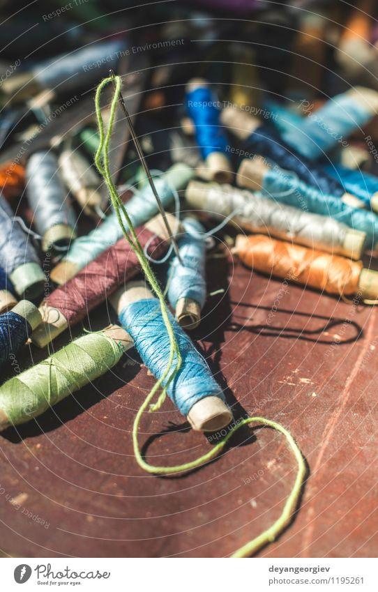 Vintage Nähgarn Design Freizeit & Hobby Industrie Handwerk Werkzeug Schere Bekleidung alt Farbe Nähen Faser Schneider Textil farbenfroh Nadel altehrwürdig